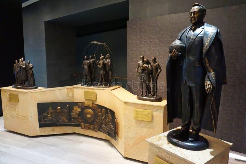 Skulptur till presidenten av Kasakhstan Nursultan Nazarbayev in arkivbild