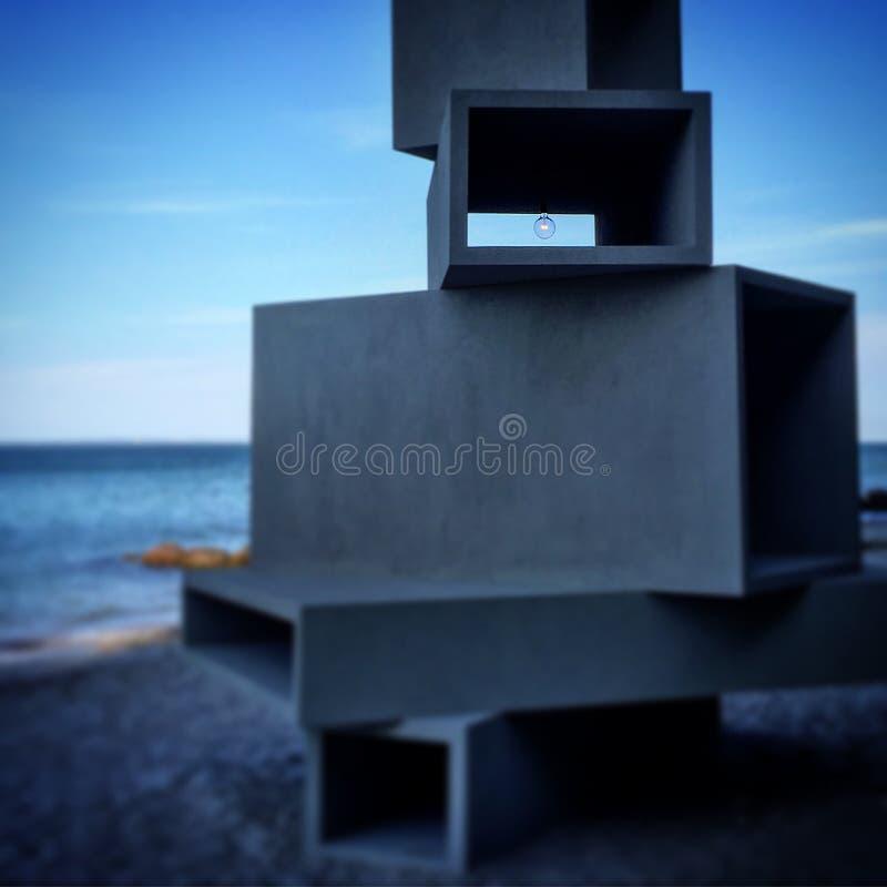 Skulptur vid havet royaltyfri foto