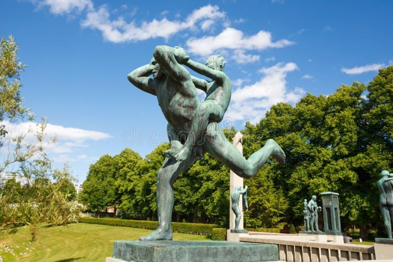Skulptur in Vigeland-Park lizenzfreies stockfoto