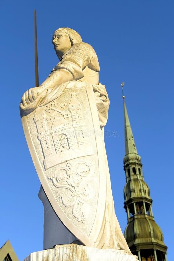 Skulptur von Roland in Riga lizenzfreies stockbild