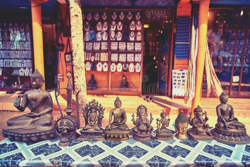 Skulpturer av olika indiska gudar arkivfoton