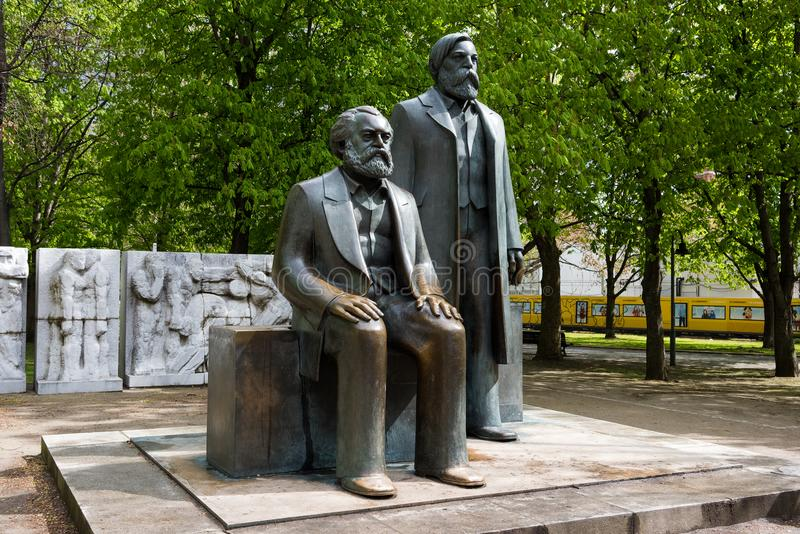Skulpturer i Berlin royaltyfri bild
