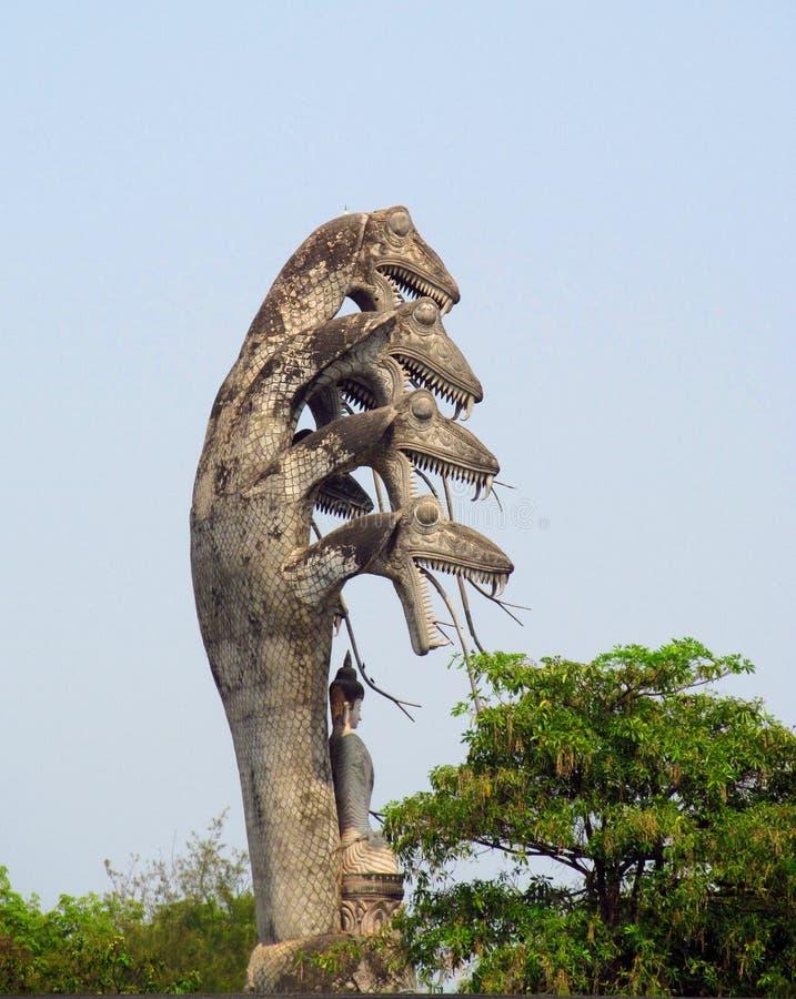 Skulpturer i Nong Khai Buddha Park i Thailand arkivfoto