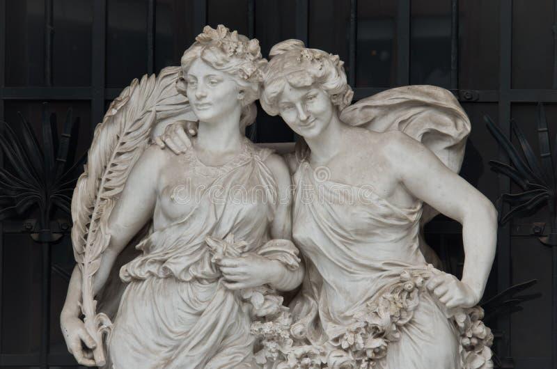 Skulpturer på den Bellas Artes slotten av konst, Mexico - stad, Mexico royaltyfri bild