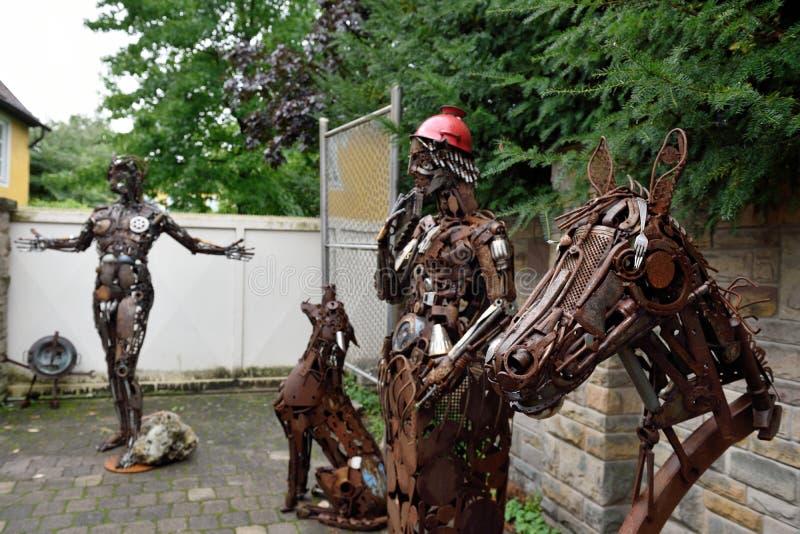 Skulpturer som göras av metall Rietberg, Tyskland royaltyfria foton