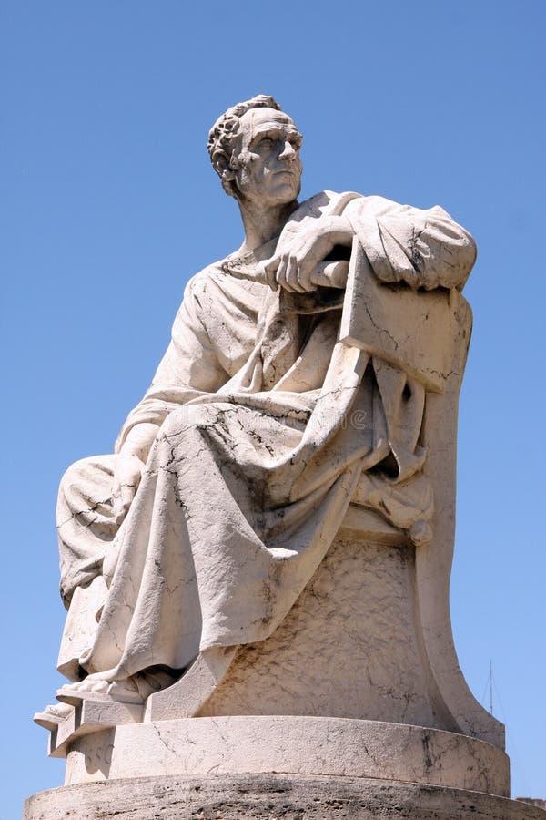Skulpturhögsta domstolen Rome Italien royaltyfri bild