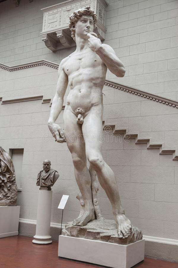 Skulpturkopia av David av Michelangelo Buonarroti arkivfoton