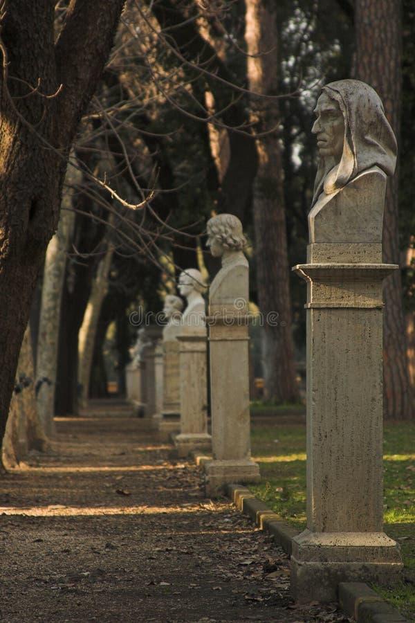 Download Skulpturpark in Rom stockbild. Bild von römisch, entlang - 870497