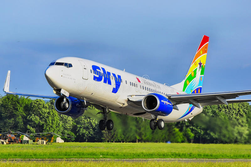 SKY AIRLINES B737-800 foto de stock royalty free