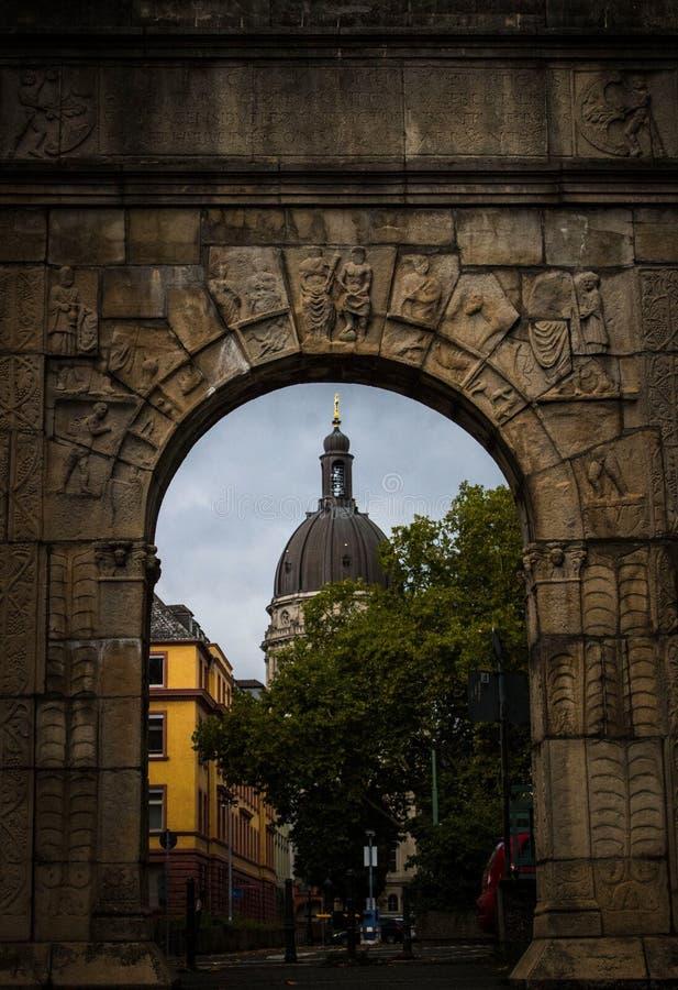 Sky, Arch, Landmark, Wall Free Public Domain Cc0 Image