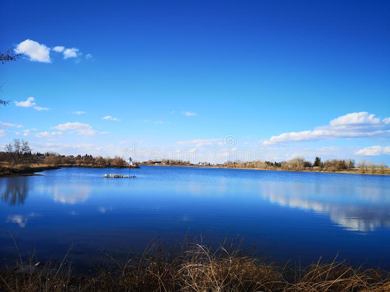 Sky Blue天堂般的湖 库存照片