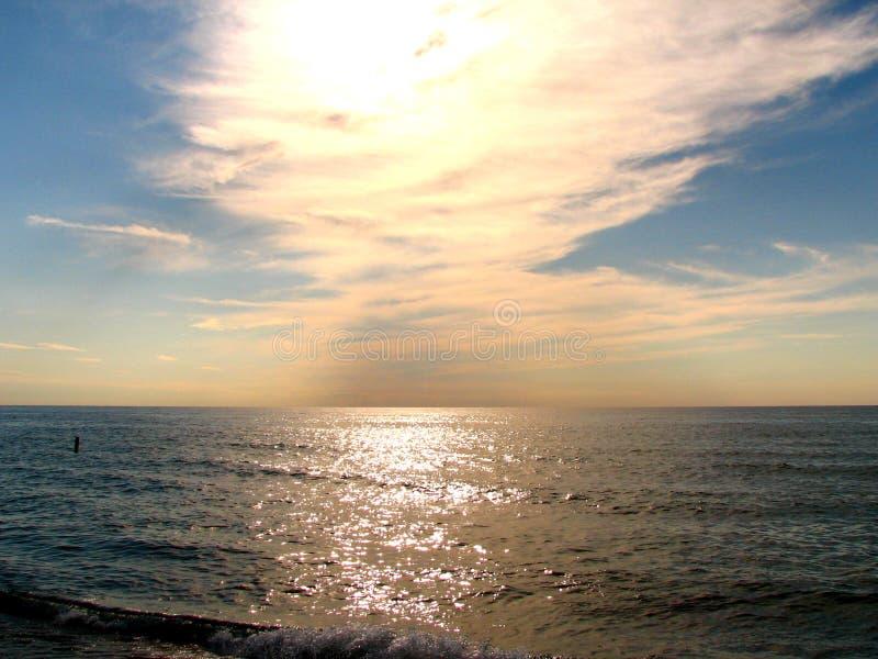 Sky&lake fotografie stock