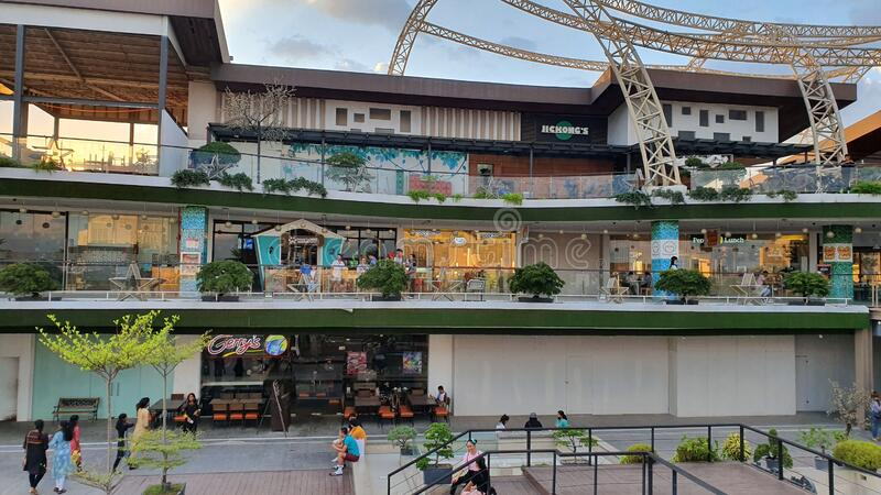 Sky Park vid Shopping Mall i Davao City, Filippinerna royaltyfri bild