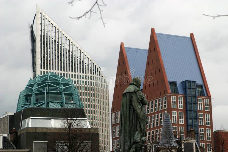 Skycrapers (Ministerien) in Den Haag stockfotografie