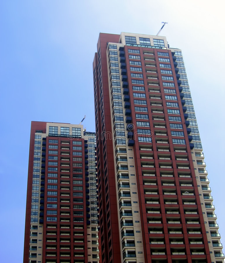 Skycrapers residenziali gemellare fotografia stock libera da diritti