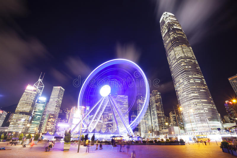 Skycrapers und Riesenrad herein Hong Kong stockbilder