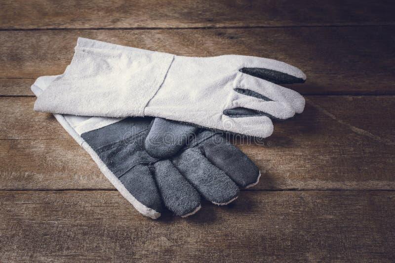 Skyddande handskar, standard konstruktionssäkerhetsutrustning royaltyfri foto