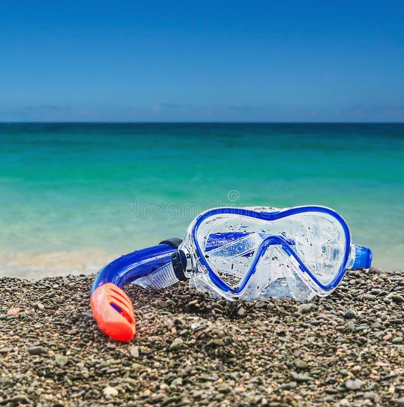 Skyddsglasögon och snorkeldykning arkivbild