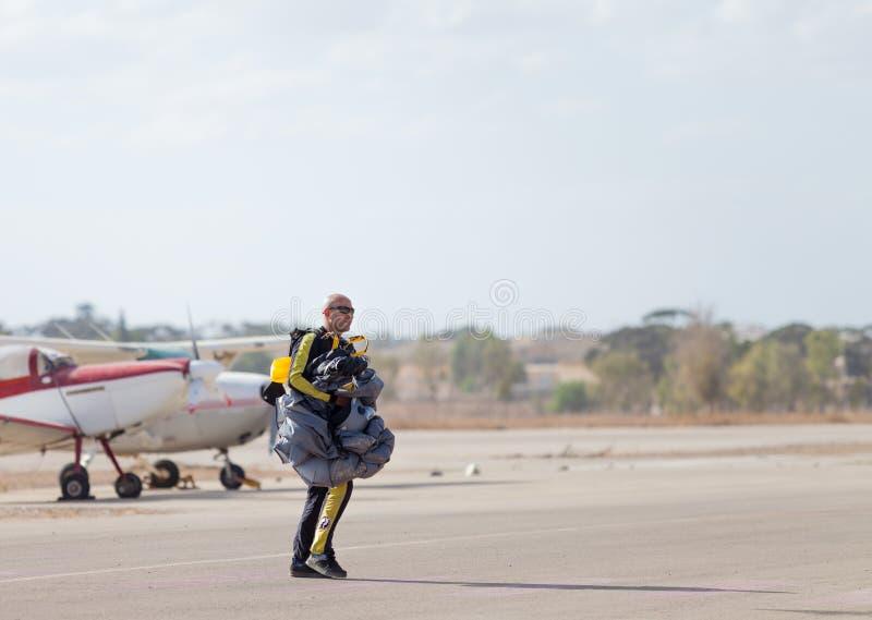 Skydiver после скакать стоковые изображения