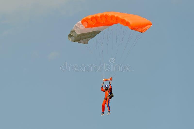 Skydiver op valscherm royalty-vrije stock afbeelding