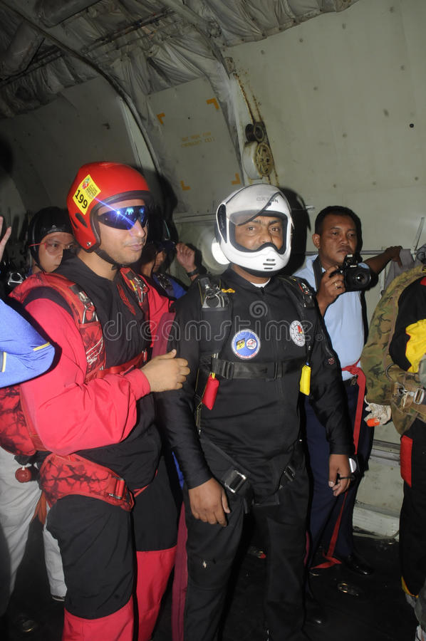 Download Skydivers editorial image. Image of aircraft, hercules - 40651635
