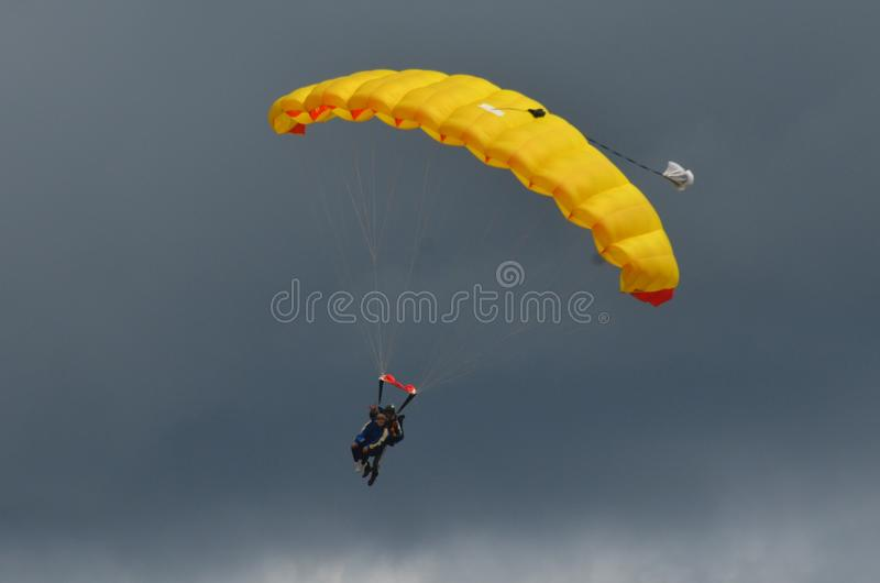 Skydivers tandem photo stock
