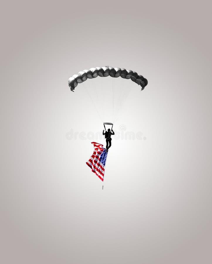 Download Skydiversoldatbanhoppning Med Amerikanska Flaggan Fotografering för Bildbyråer - Bild av airshow, fluga: 27278405
