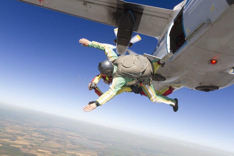 skydiving的照片 纵排 免版税库存图片
