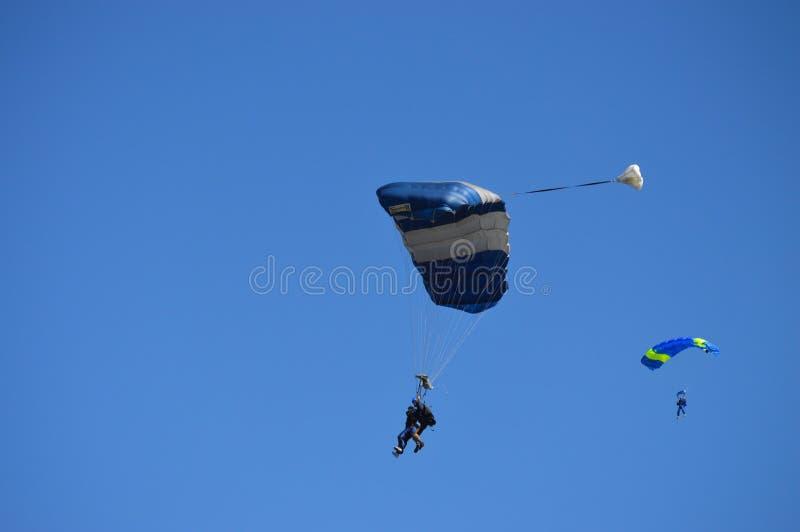 Skydiving Abenteuer lizenzfreie stockbilder