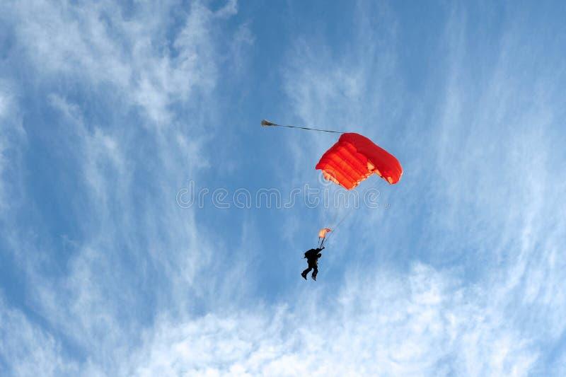 Skydiving em tandem imagens de stock royalty free