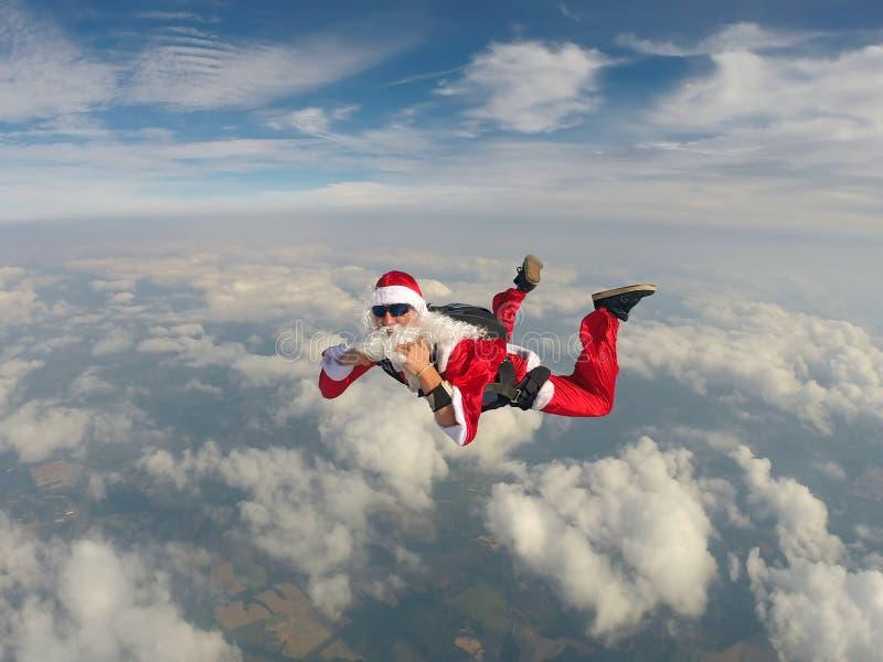 Skydiving Santa boże narodzenia zdjęcie royalty free