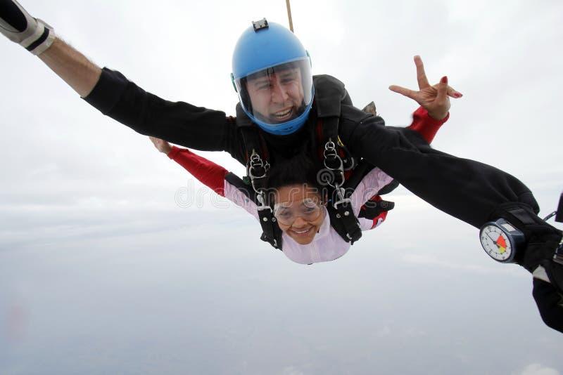 Skydiving skoku tandemowy szczęście zdjęcia royalty free