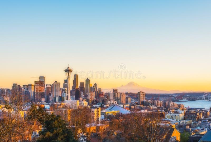 Skyline bonita no por do sol, Washington da cidade de Seattle, EUA fotografia de stock royalty free