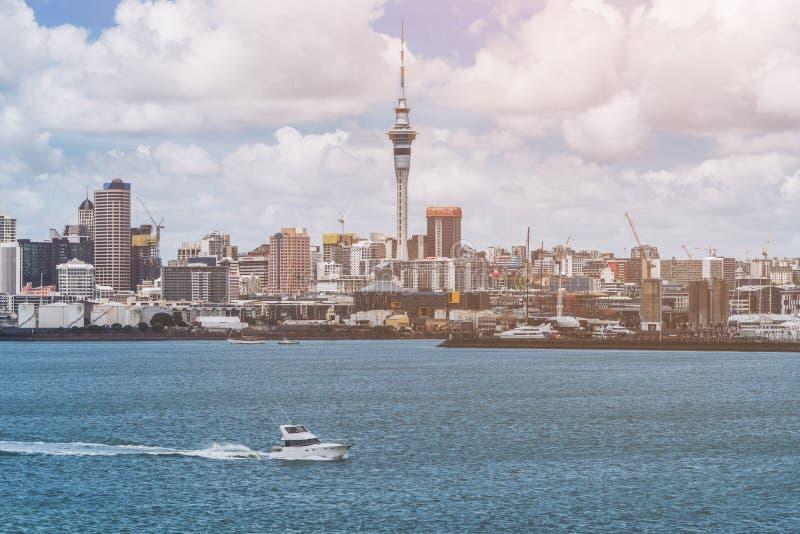 Skyline da cidade de Auckland, Nova Zelândia foto de stock royalty free