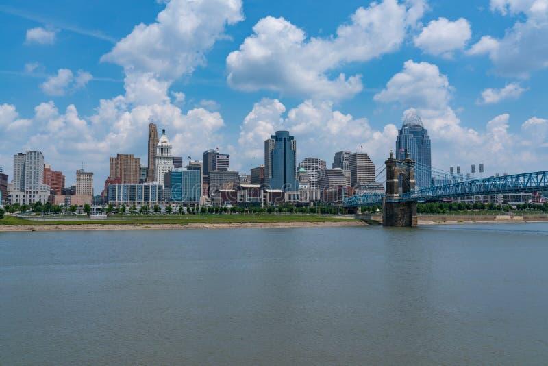 Skyline da cidade de Cincinnati, Ohio imagens de stock