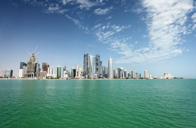 Skyline da cidade de Doha foto de stock royalty free