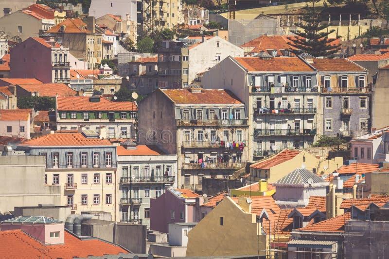 Skyline da cidade de Lisboa, Portugal sobre Santa Justa Rua imagens de stock