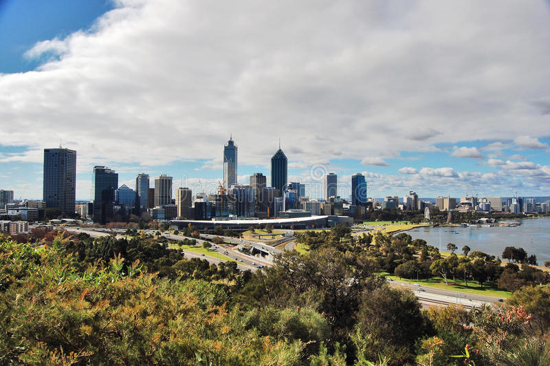 A skyline da cidade de Perth fotos de stock