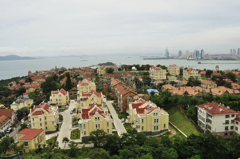 Skyline da cidade de Qingdao fotos de stock royalty free