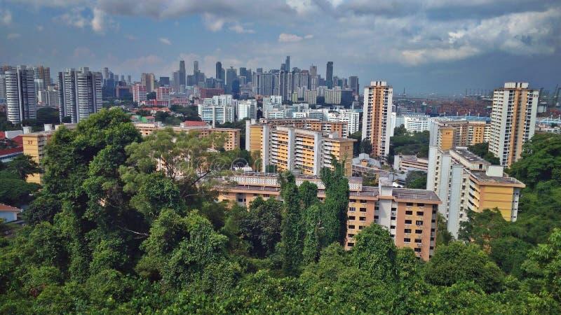 Skyline da cidade de Singapura - opinião de Faber da montagem imagens de stock