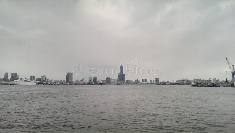 Skyline da cidade de Taiwan Kaohsiung fotos de stock royalty free