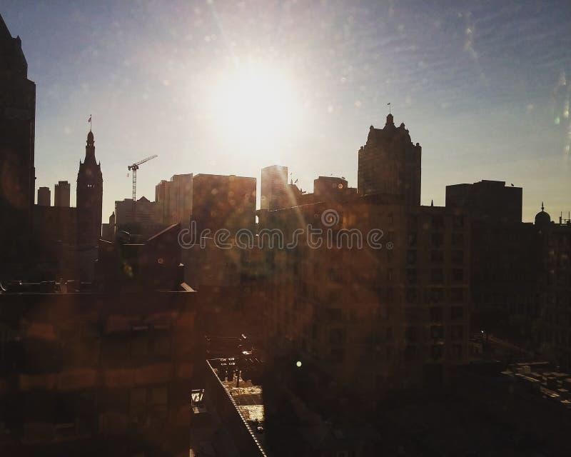 Skyline da manhã da cidade imagem de stock royalty free