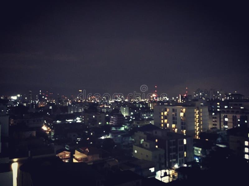 Skyline da noite de Banguecoque imagem de stock