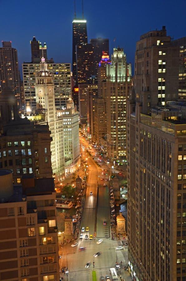 Skyline da noite de Chicago imagens de stock