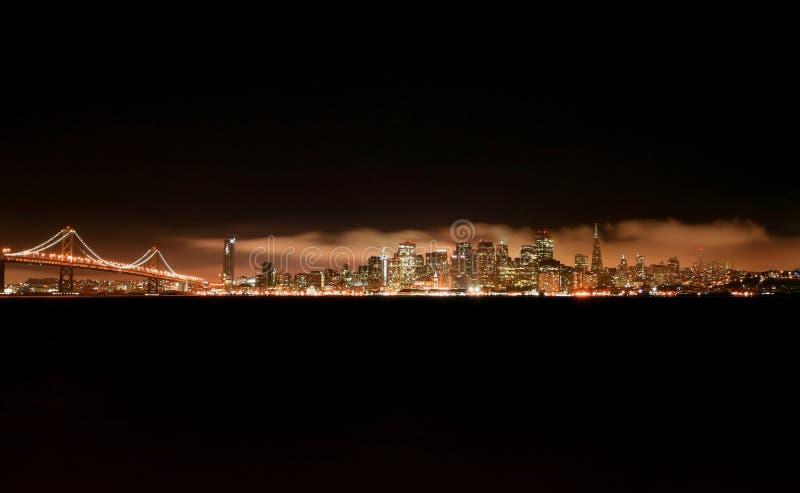 Skyline da noite de San Francisco fotografia de stock
