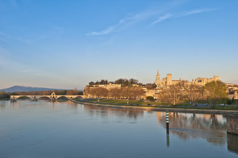 Skyline de Avignon, France imagens de stock