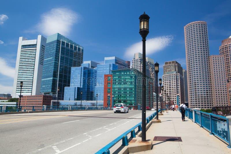 Skyline de Boston da ponte Massachusetts EUA do bulevar do porto fotografia de stock royalty free