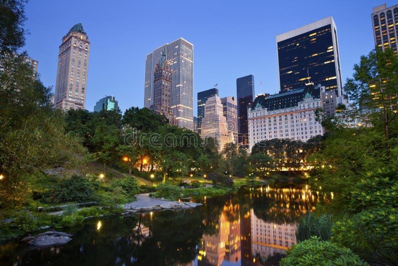 Skyline de Central Park e de Manhattan. foto de stock
