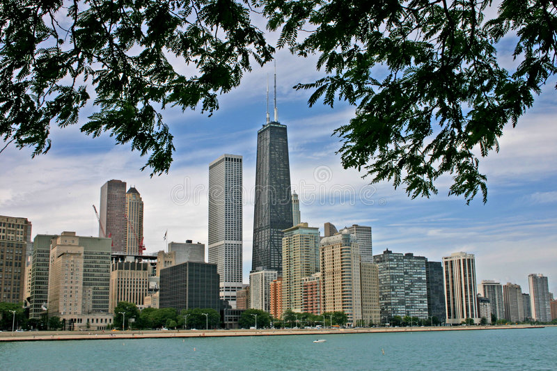 Skyline de Chicago do lago Michigan foto de stock royalty free