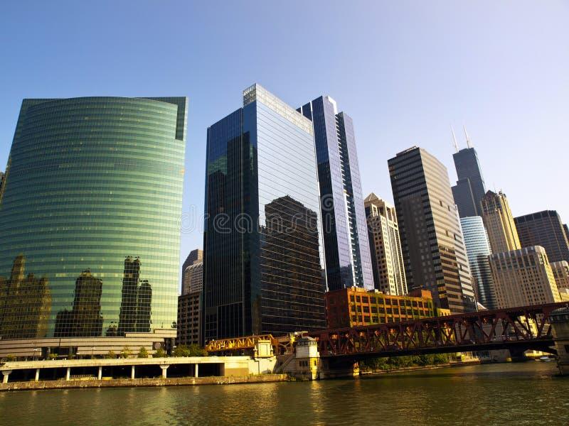 Skyline de Chicago do rio foto de stock royalty free